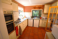 Badgers Watch, Winford, Isle of Wight. Dog friendly self catering cottage