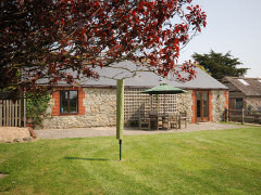 Cart House, Shorwell, Isle of Wight. Self catering accommodation in a rural location