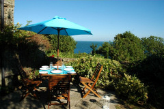 Ocean Blue Coastal Retreats, Ventnor, Isle of Wight. Self catering cottage by the sea