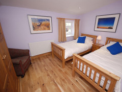 Self catering cottage with pool